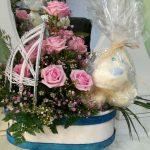 Cuna de flores para nacimiento